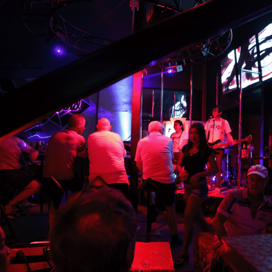things to do in hua hin nightlife